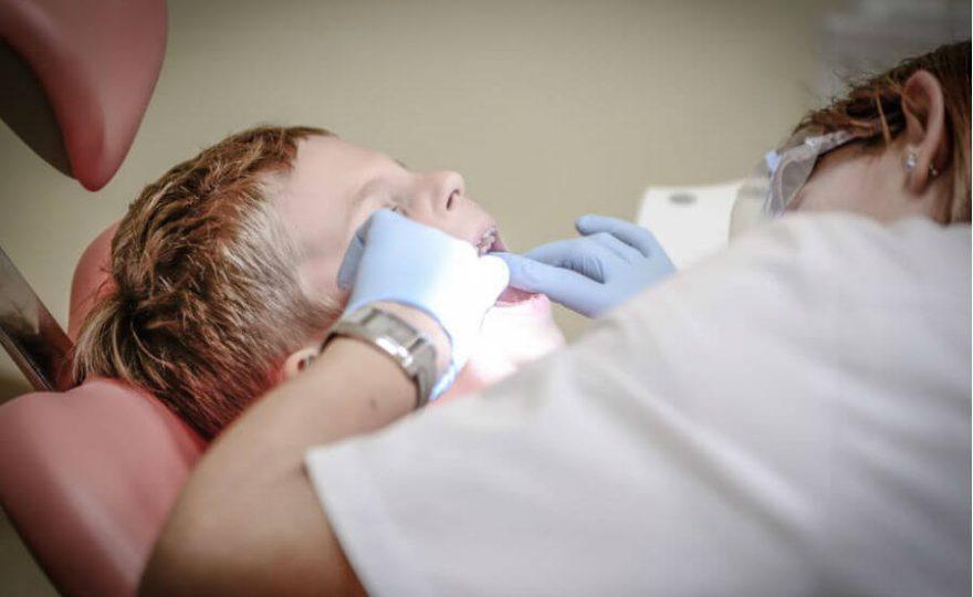 Odontopediatria: saiba como cuidar da boca do seu filho