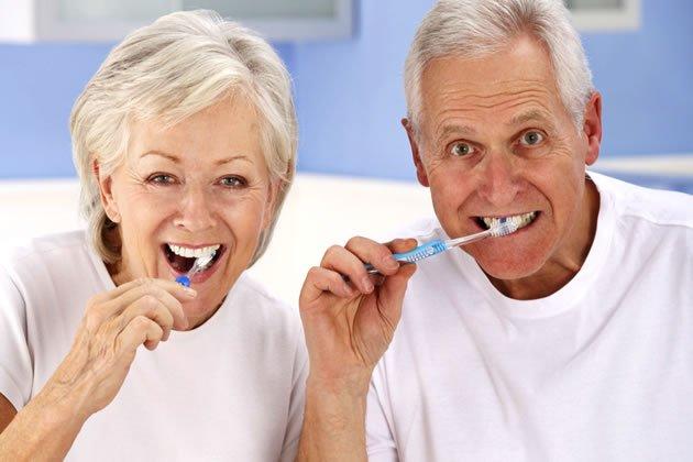 6 dicas de saúde bucal para a terceira idade